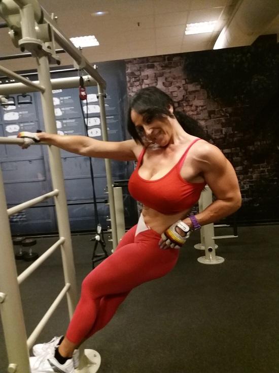 Deportistas de fitness y alimentacion vegana